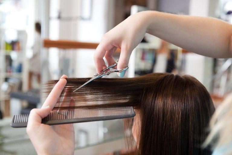 Własny salon fryzjerski – jak zacząć?