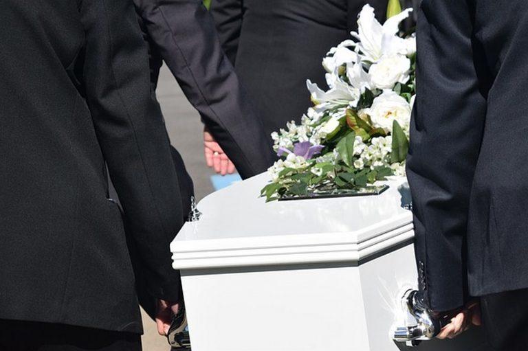 Z szacunkiem i poszanowaniem dla zmarłych