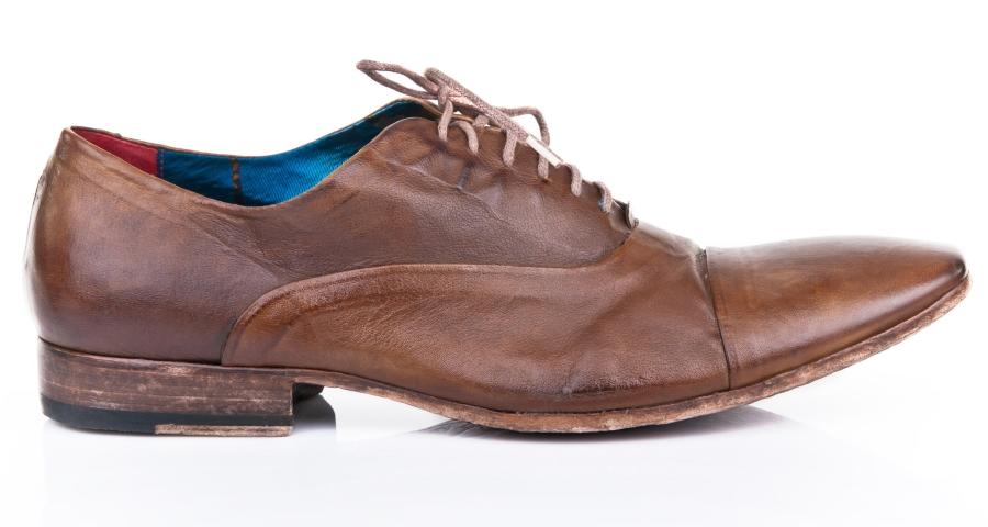 Buty dla panów – eleganckie obuwie włoskie czy jednak buty sportowe?