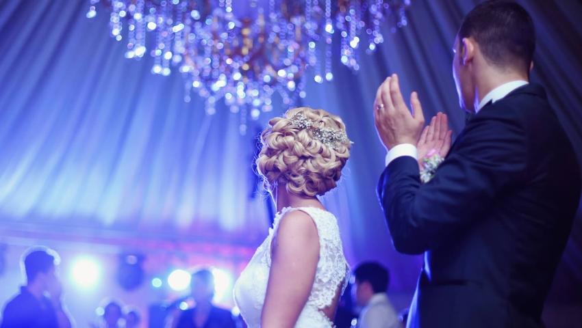 DJ zapewni zabawe na weselu