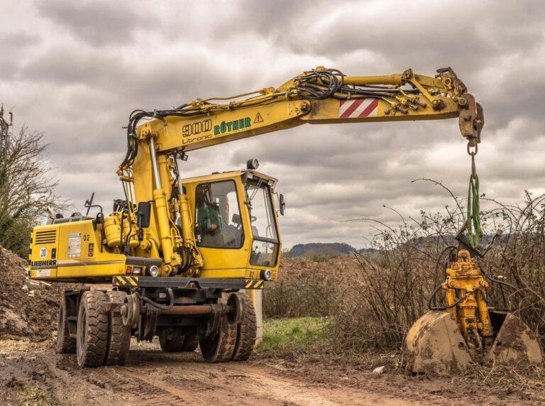 Wyburzanie, wykopy i inne usługi budowlane